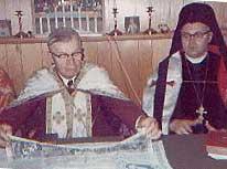 Фото 3. «Митрополит» Петр Журавецкий (слева) и «патриарх» Владислав Рыжий (справа)