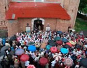 Студенты Минских духовных школ и жители Сынкович поклонились святыням Симонопетра